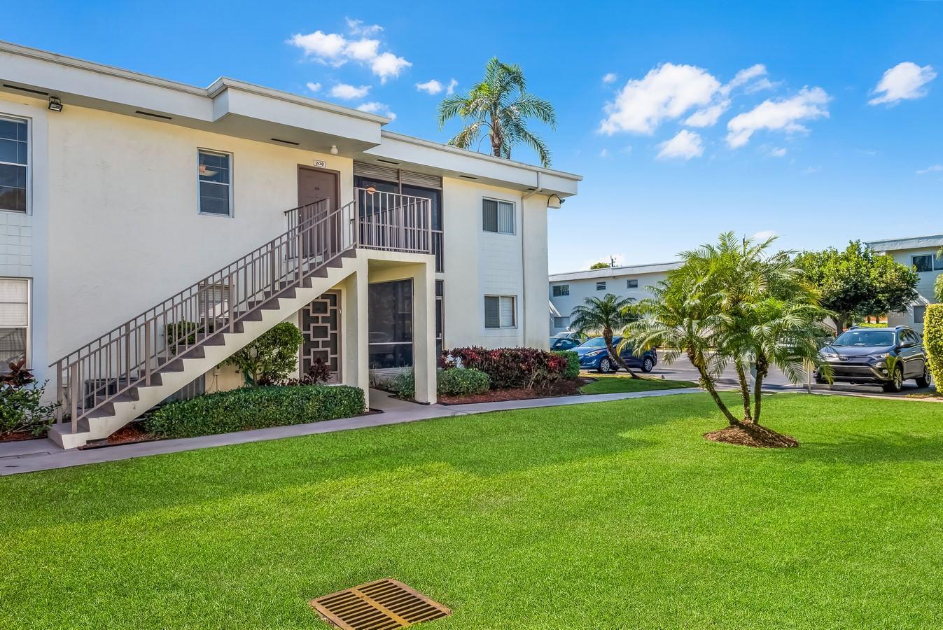 14898 Wedgefield Drive 208 Delray Beach, FL 33446 photo 23