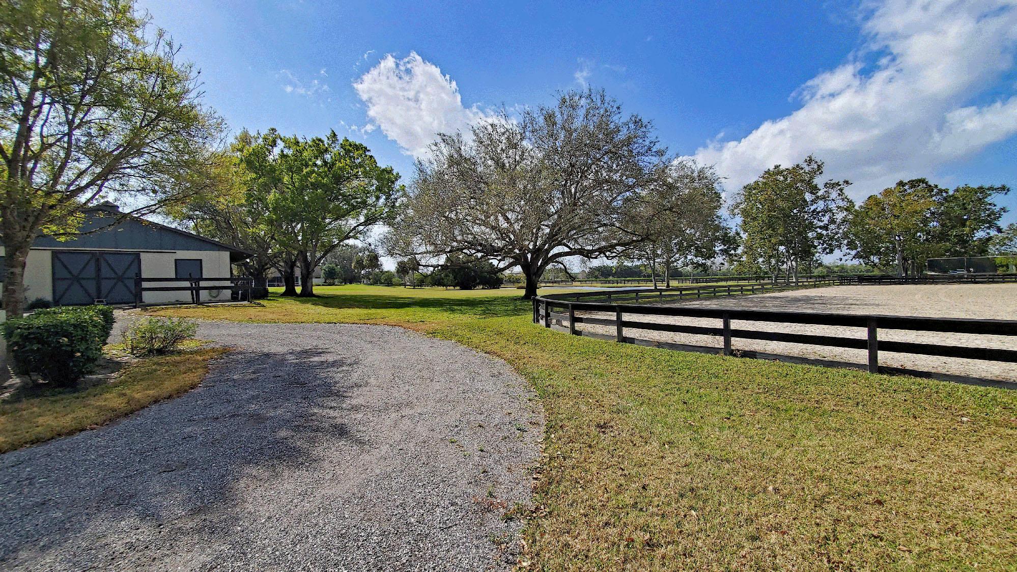 Wellington, Florida 33414, 1 Bedroom Bedrooms, ,1 BathroomBathrooms,Rental,For Rent,53rd Rd,RX-10690493