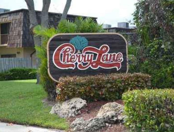 4584  Cherry Road  For Sale 10691145, FL