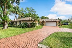 7819 NW 40th Court, Coral Springs, FL 33065