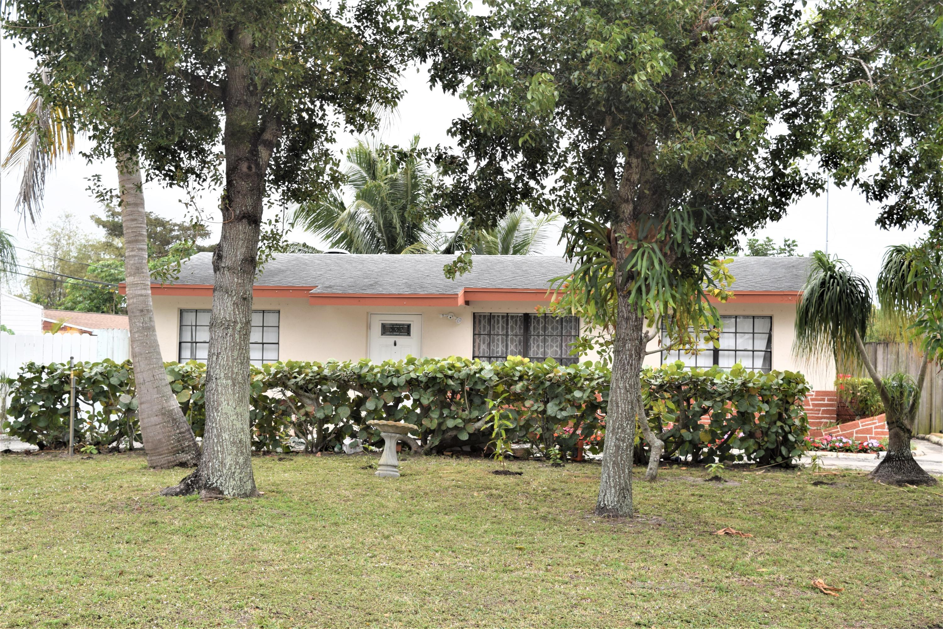 Home for sale in Lake Worth Hills Greenacres Florida