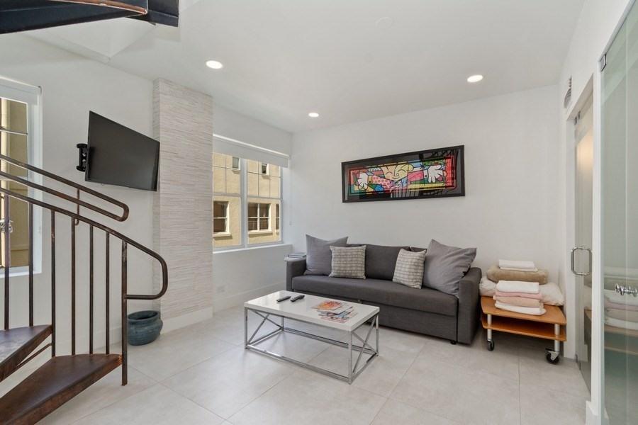 100 Collins Avenue, Miami Beach, Florida 33139, 1 Bedroom Bedrooms, ,2 BathroomsBathrooms,Condo/Coop,For Sale,Collins,3,RX-10691658