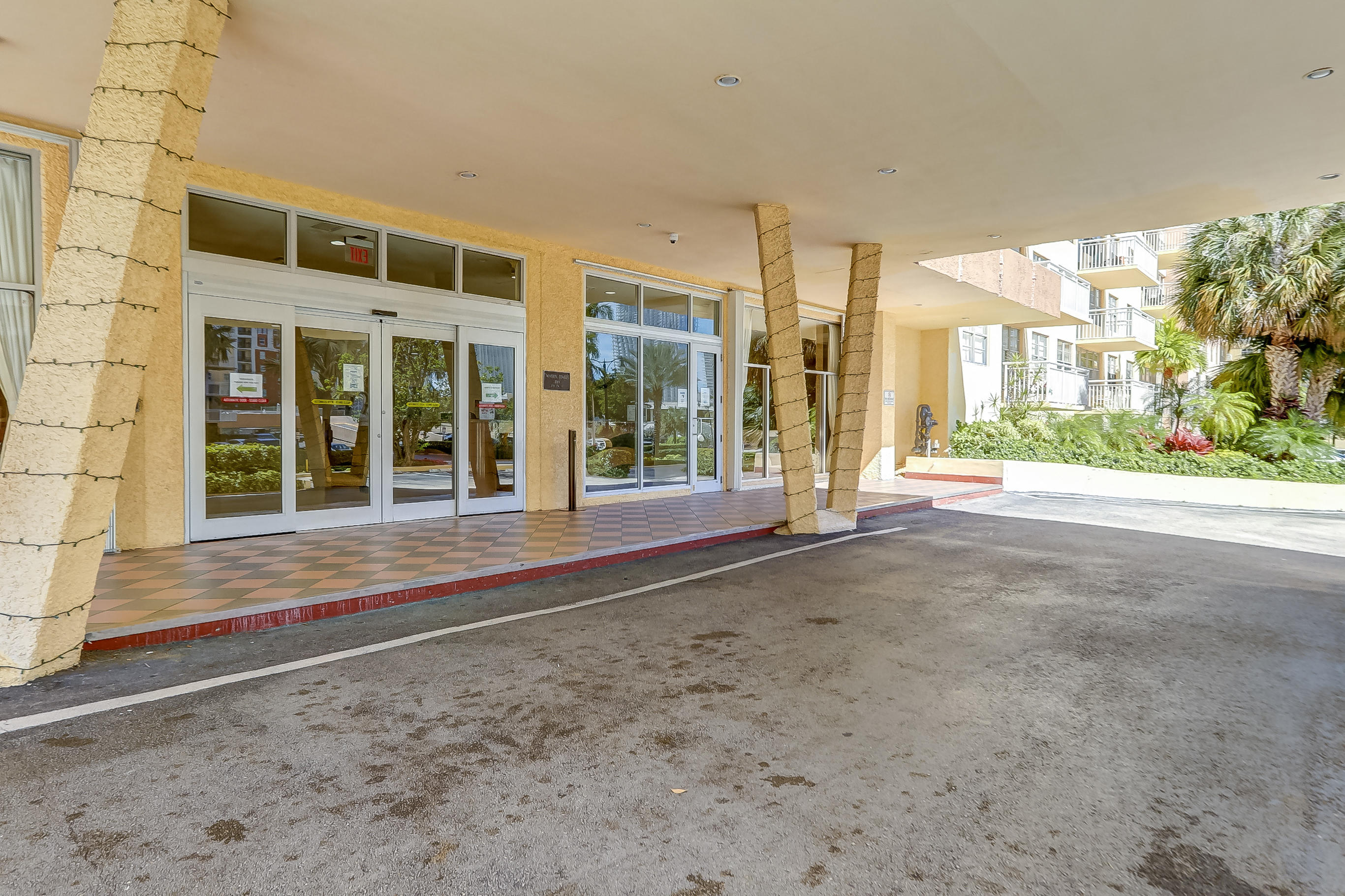 251 174th Street 715 Sunny Isles Beach, FL 33160 photo 42
