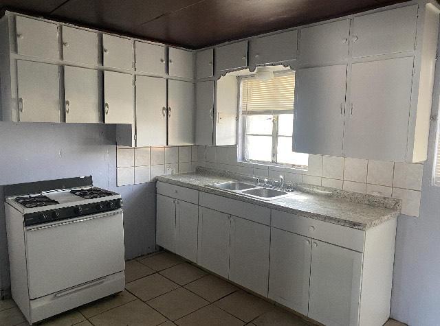 1407 kitchen