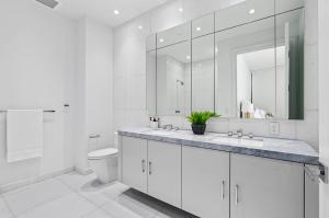 13 Guest Bathroom 1