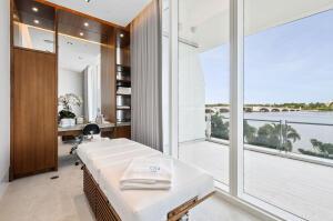 4 Massage Room