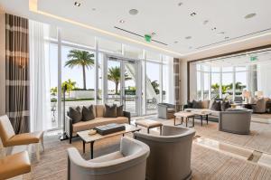 13 Club Lounge