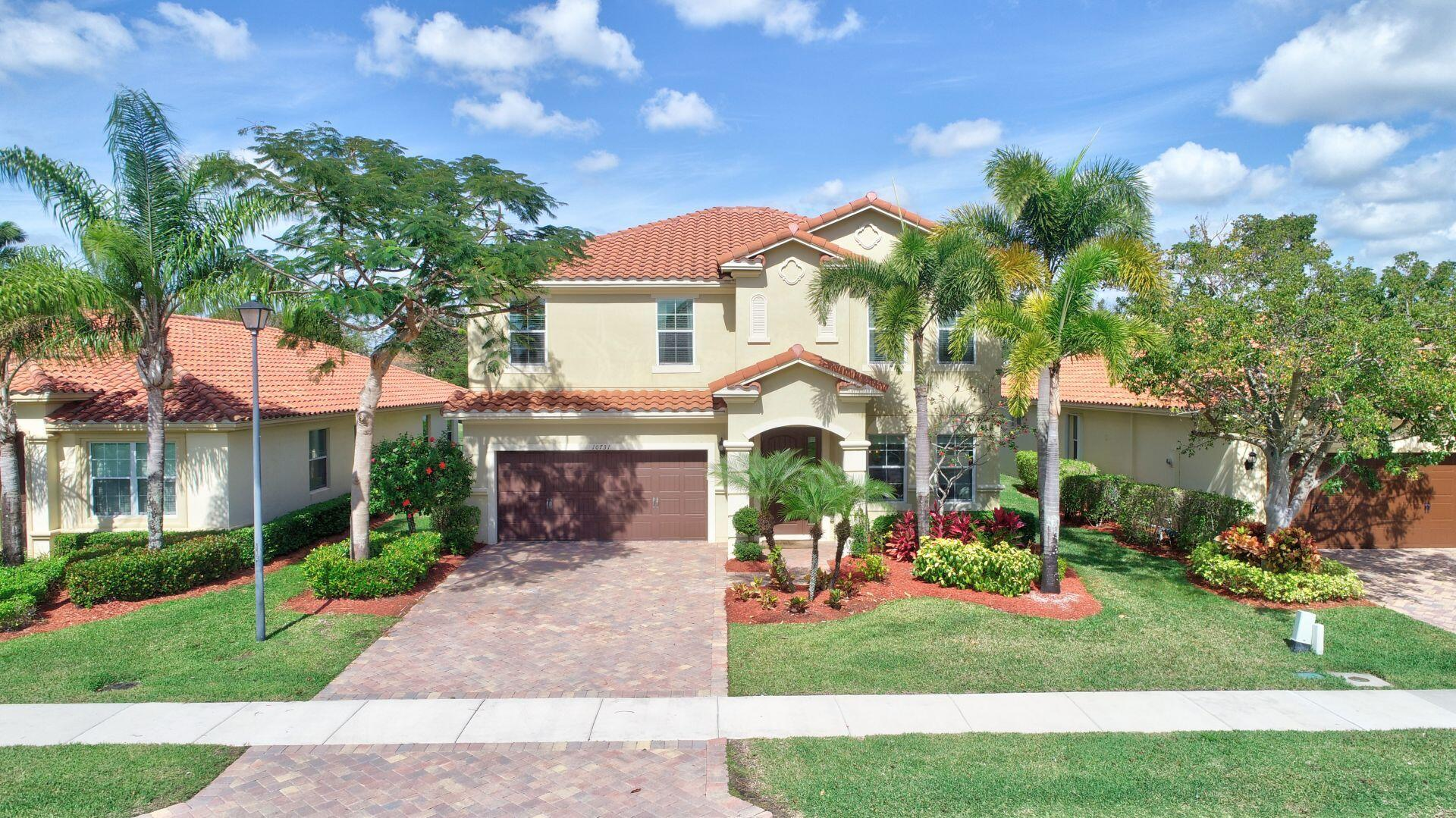 Home for sale in Oakmont Estates Wellington Florida