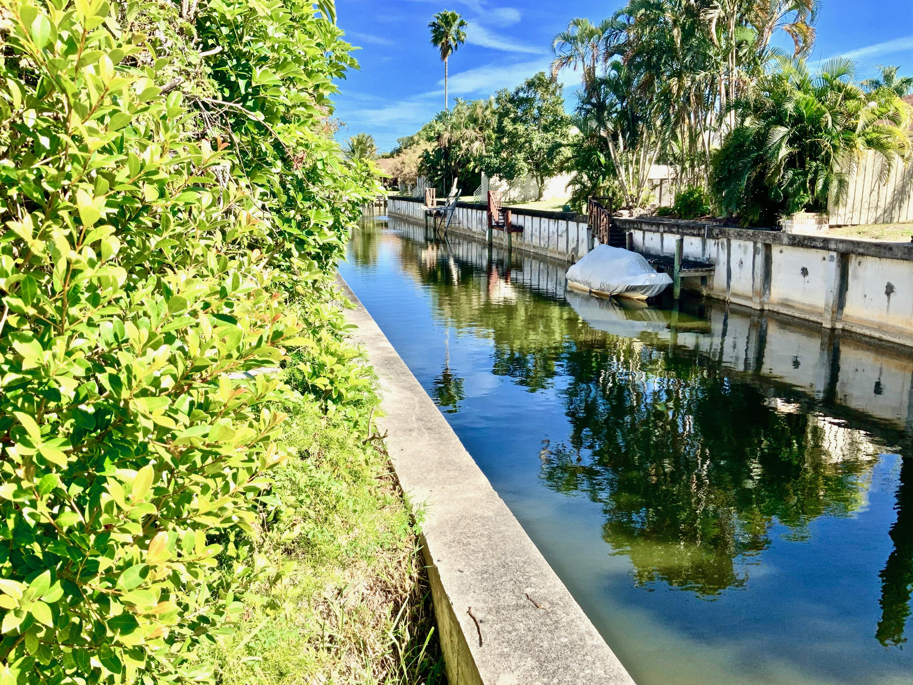 1860 NW 13th Street 102 For Sale 10691828, FL