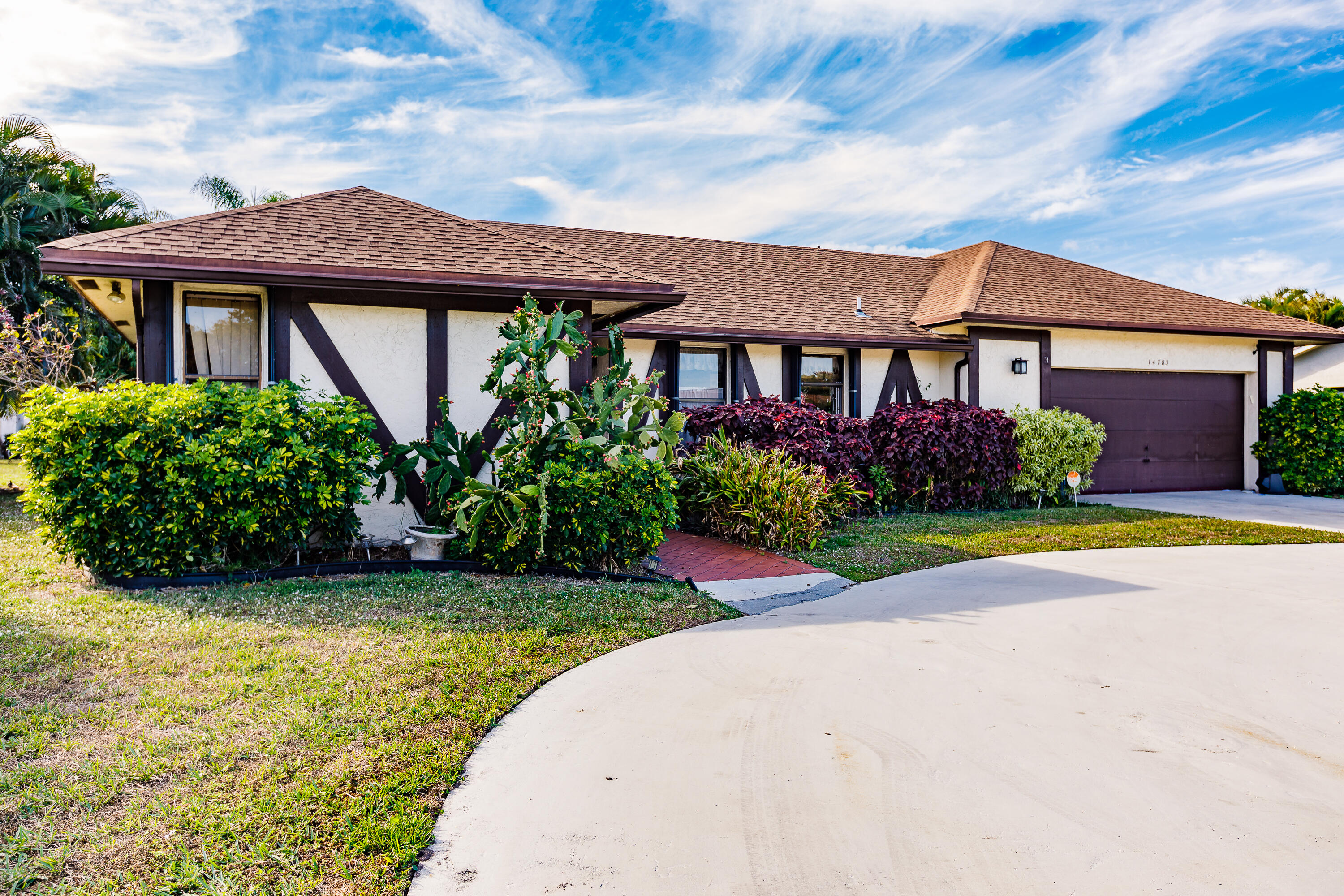 Home for sale in coco wood lakes sec Delray Beach Florida