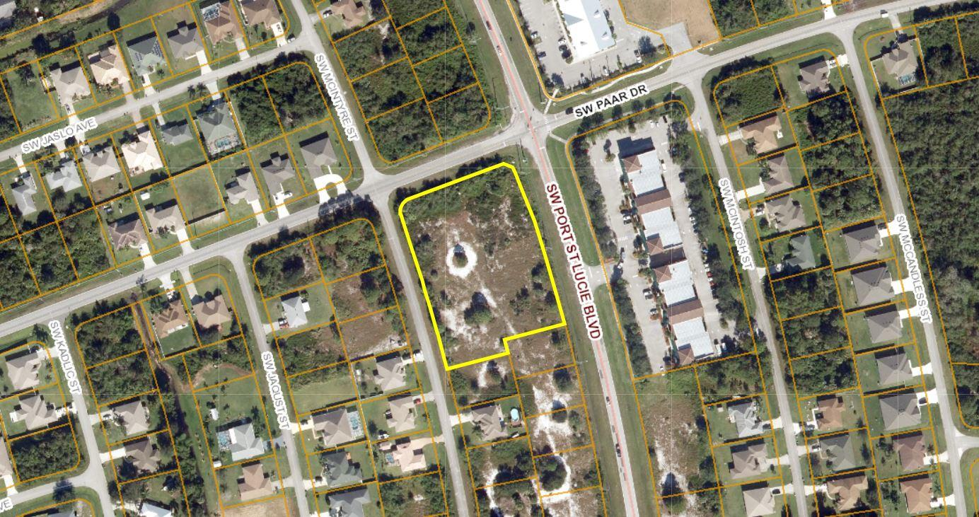 Listing photo id 2 for 814 Paar Drive Sw