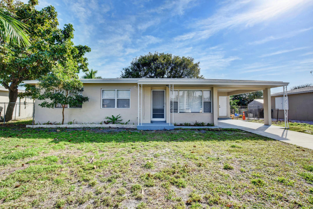 Home for sale in LAKE CLARKE SOUTH Lake Worth Beach Florida