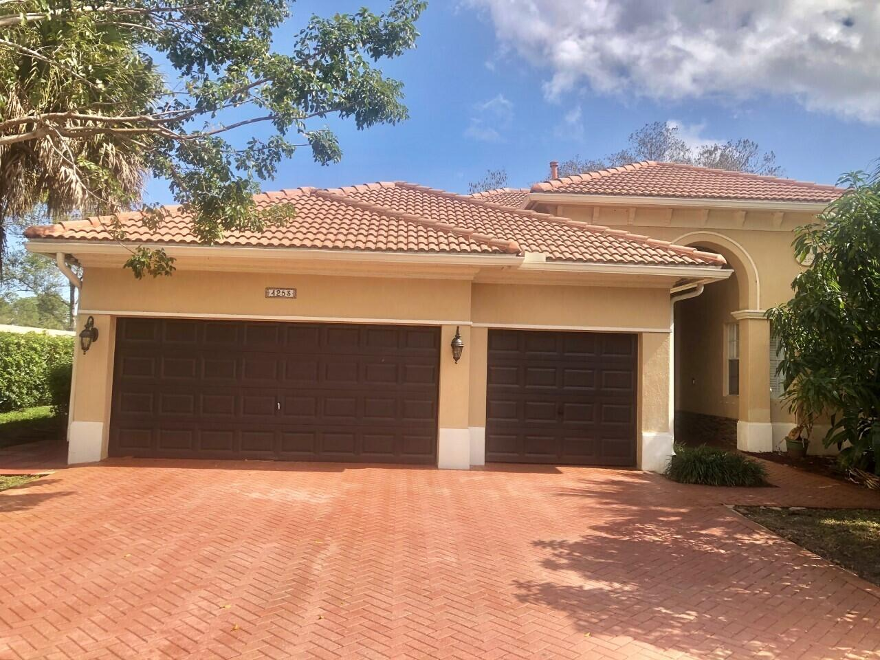 4253 Cedar Creek Ranch Circle  Lake Worth FL 33467