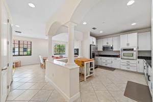 4898 Nw 16th Avenue Boca Raton FL 33431
