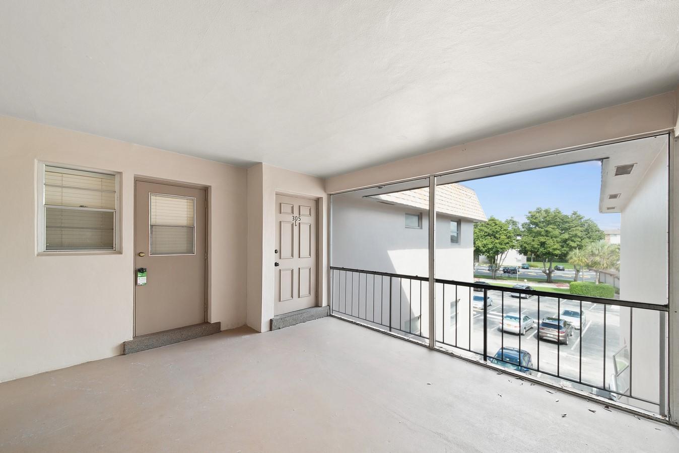 2481 SW 82nd Avenue 305 Davie, FL 33324 photo 22