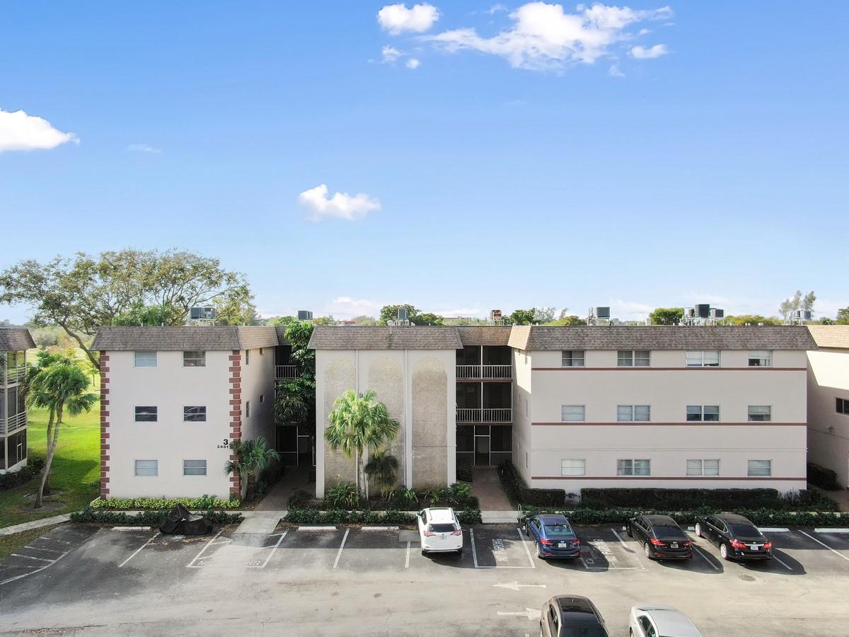 2481 SW 82nd Avenue 305 Davie, FL 33324 photo 23