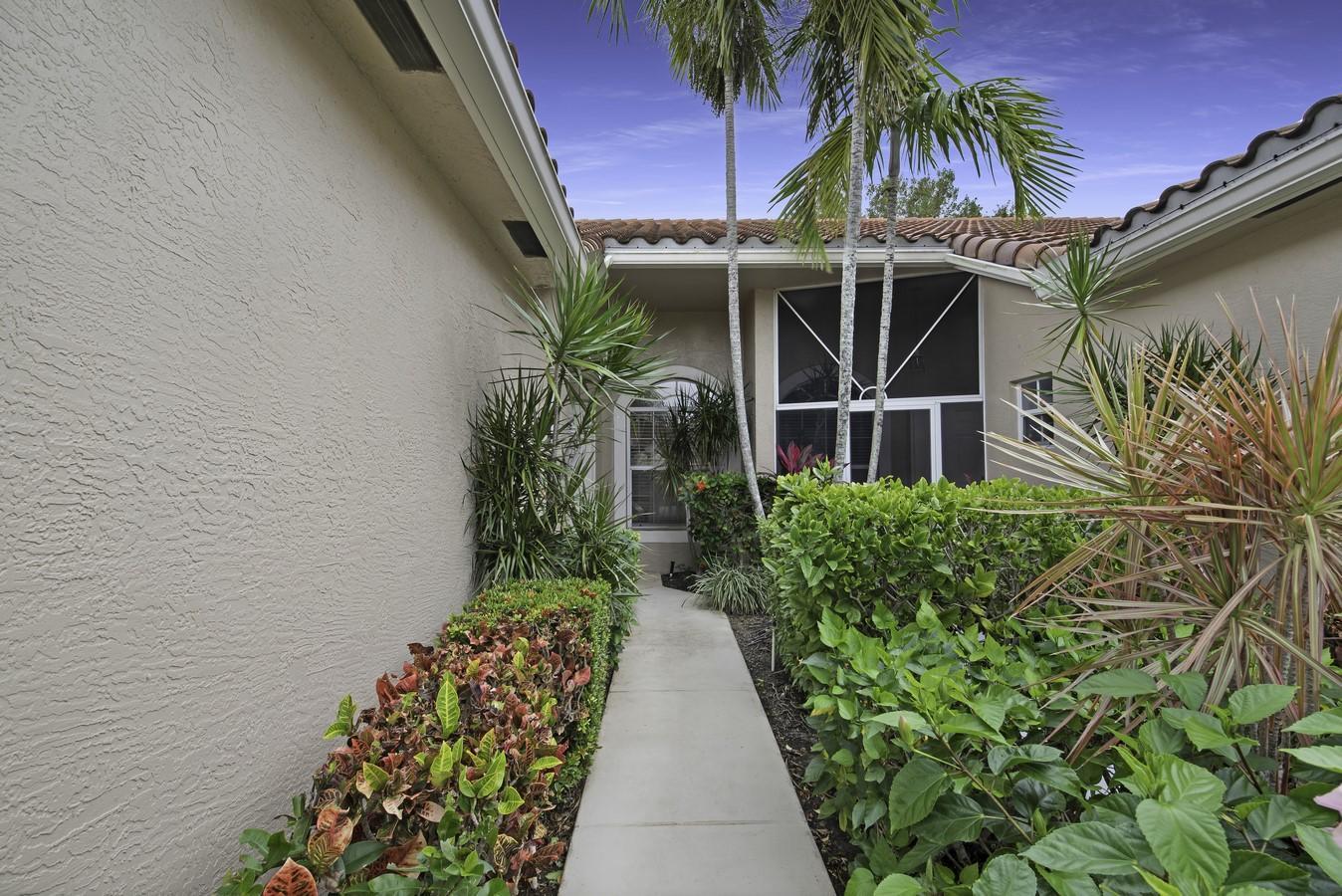 6263 Long Key Lane Boynton Beach, FL 33472 photo 2