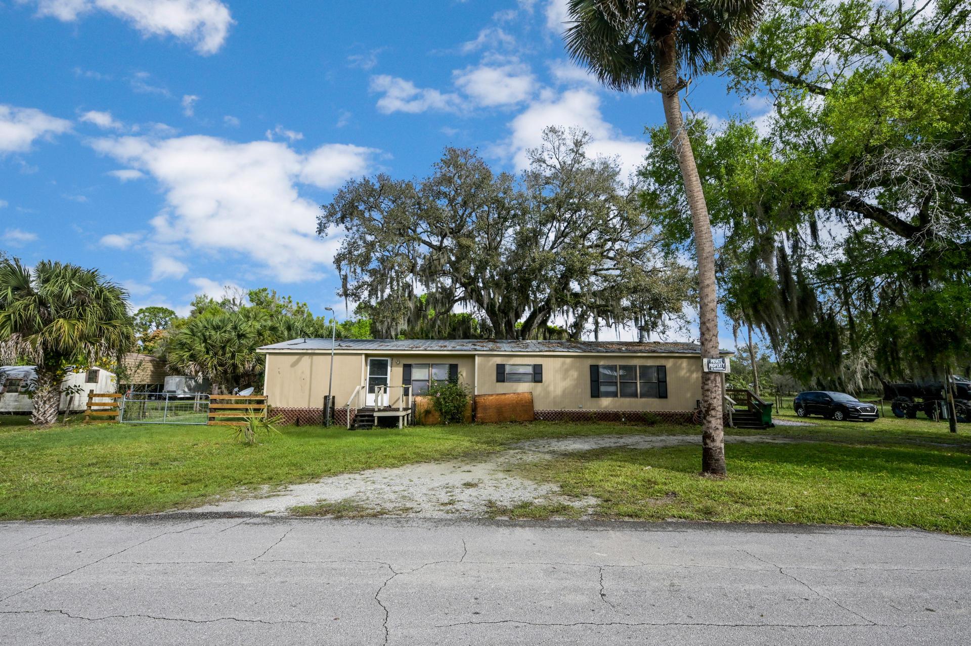 Okeechobee, FL 34974 photo 4