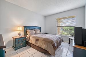 18094 105th Avenue Boca Raton FL 33498