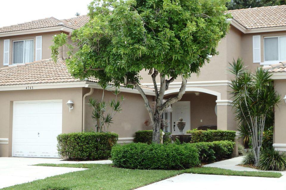 4743 Pinemore Lane Lane  Lake Worth FL 33463