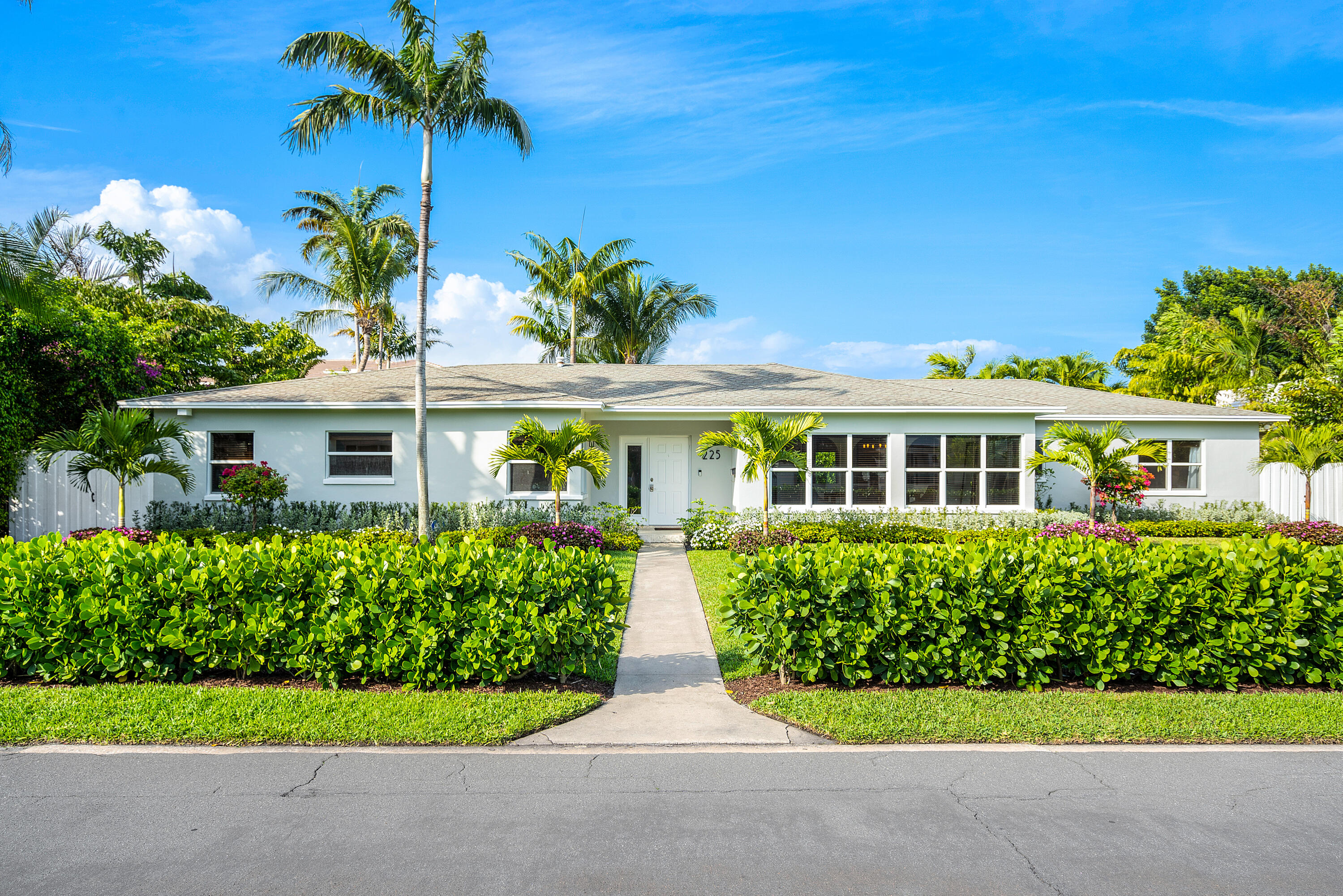 225 Russlyn Drive  West Palm Beach, FL 33405