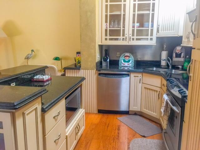 16D Kitchen 2