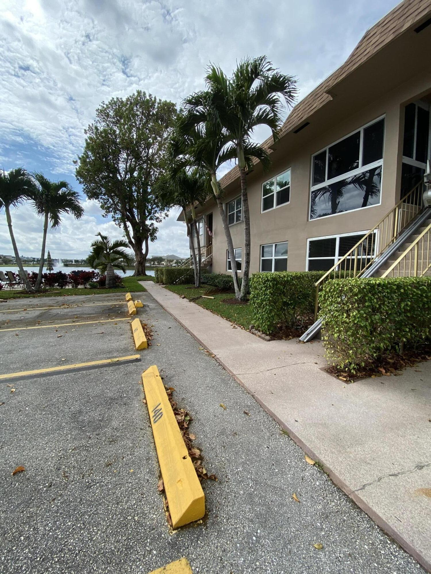 147 Stratford K West Palm Beach, FL 33417 photo 2