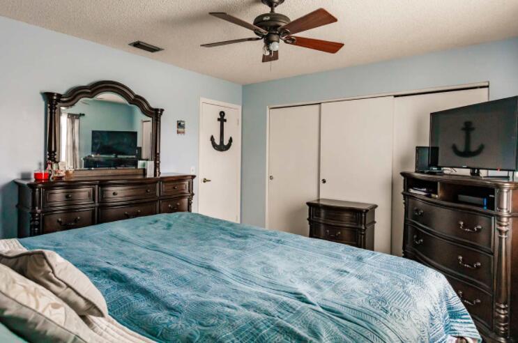 2805 Parker Avenue West Palm Beach, FL 33405 photo 14