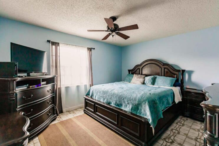 2805 Parker Avenue West Palm Beach, FL 33405 photo 12