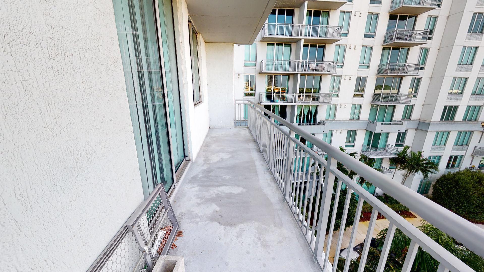 300 S Australian Avenue 520