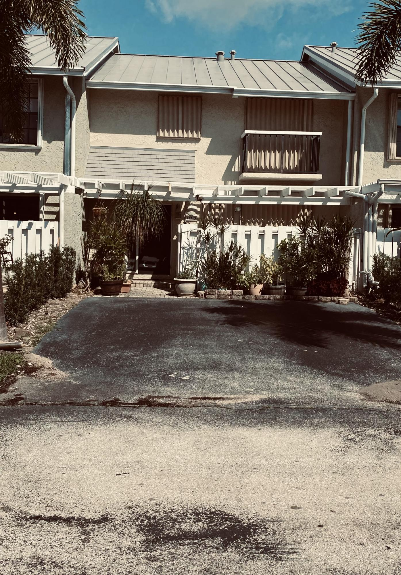 717 NE 12th Ter 3 Terrace 3 For Sale 10695369, FL