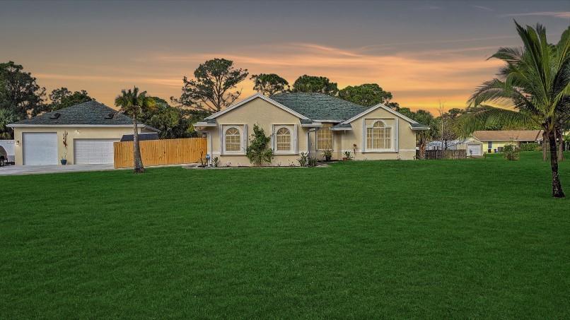 Home for sale in Palm Beach County Estates Palm Beach Gardens Florida