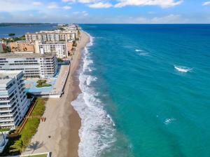 3581 S Ocean Boulevard, 2f, South Palm Beach, FL 33480