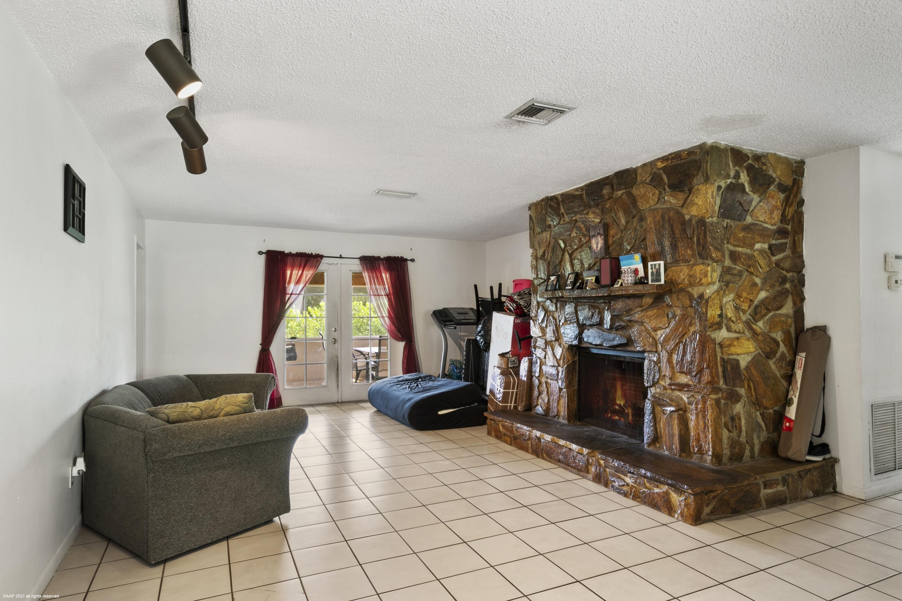 Loxahatchee Groves, Florida 33470, 4 Bedrooms Bedrooms, ,2 BathroomsBathrooms,Residential,For Sale,Hyde Park,RX-10695810