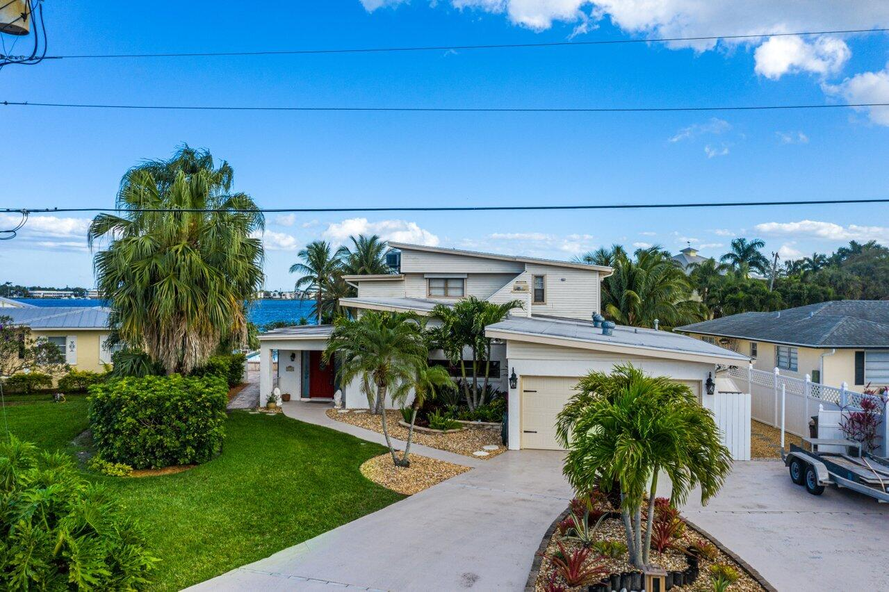 Home for sale in PELICAN COVE Palm City Florida