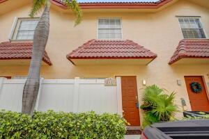 2431 NE 14th Street, 3-400, Pompano Beach, FL 33062