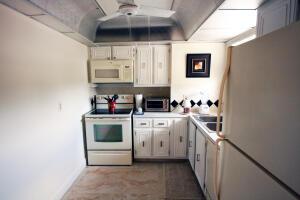 711 Lori Drive, 301, Palm Springs, FL 33461