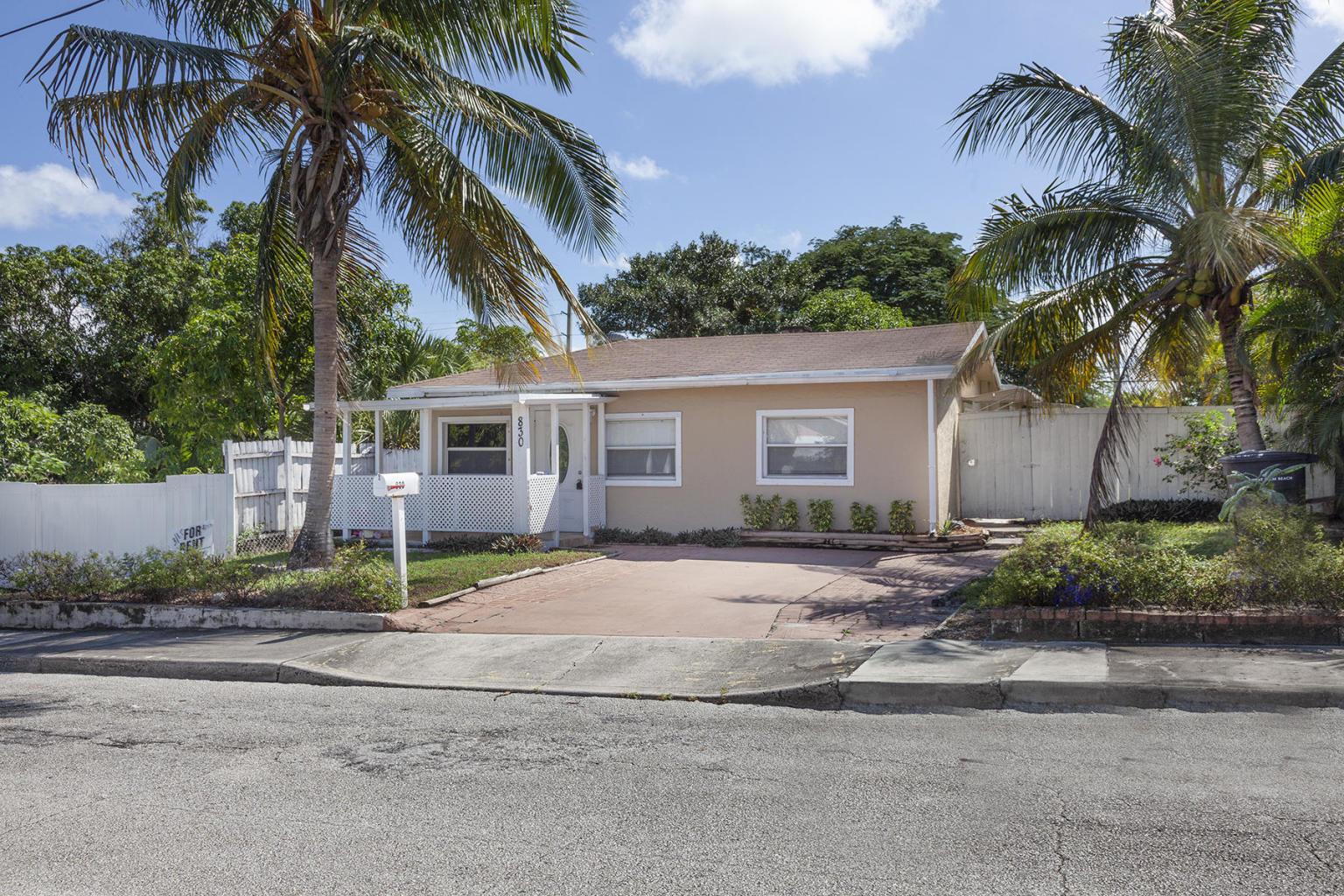 830  Briggs Street  For Sale 10694945, FL