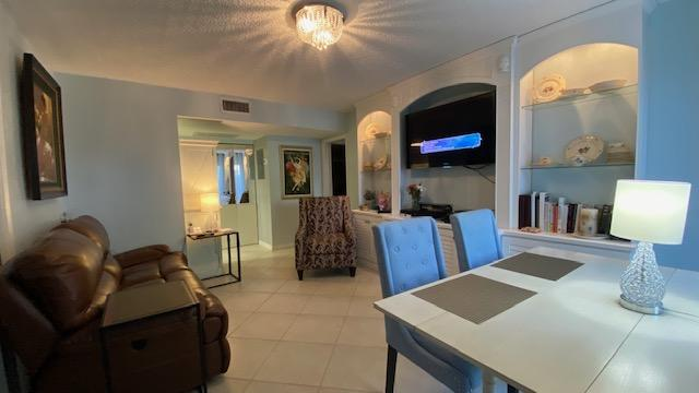 600  Executive Center Drive  106 For Sale 10695158, FL