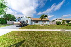 138 Cordoba Circle, Royal Palm Beach, FL 33411