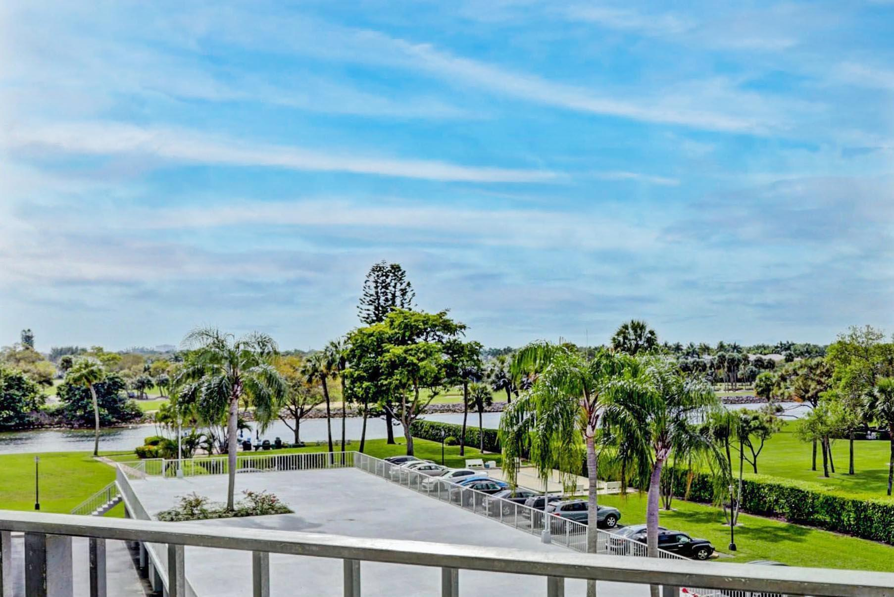 336  Golfview Road 414 For Sale 10695435, FL
