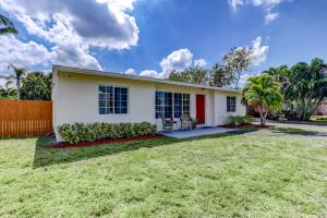 1802 Antigua Road, Lake Clarke Shores, FL 33406