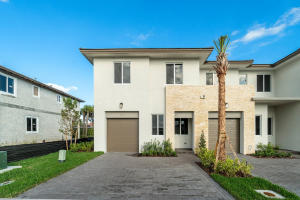 210 Pioneer Way, Royal Palm Beach, FL 33411