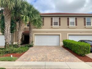 """STOP, this is """"THE ONE""""! RENOVATED Townhouse, LAKEVIEW with Water Feature, 2 Car GARAGE with EXPANDED DRIVEWAY for 4 VEHICLES, BY SCHOOLS + PET FRIENDLY & LOW HOA!"""