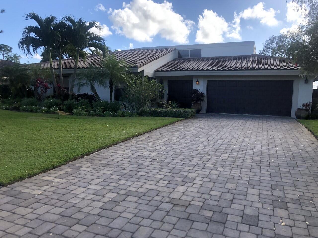 6724  Eastpointe Pines Street  For Sale 10696061, FL