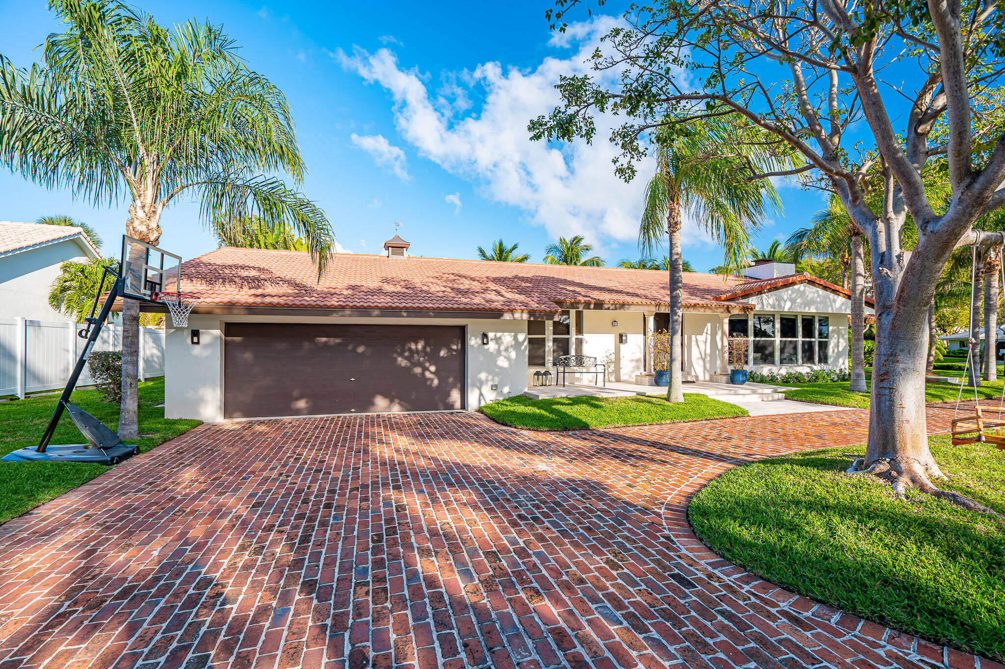 Details for 9 Gatehouse Road, Sea Ranch Lakes, FL 33308