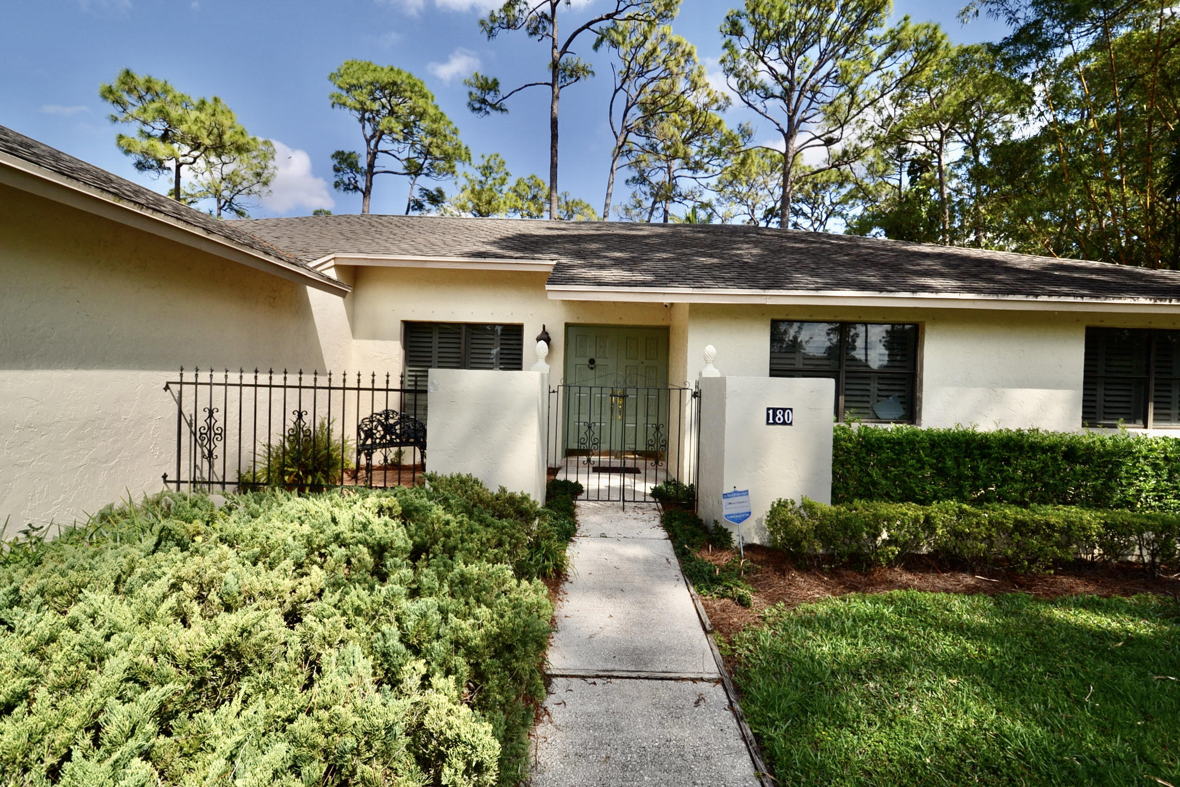 180 St Davids Way  Wellington FL 33414