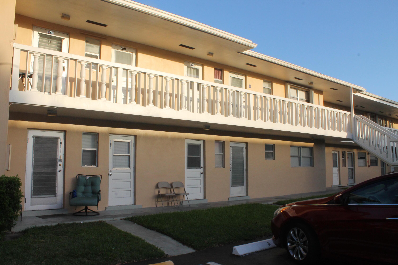 2213 NE 1st Court 102 Boynton Beach, FL 33435