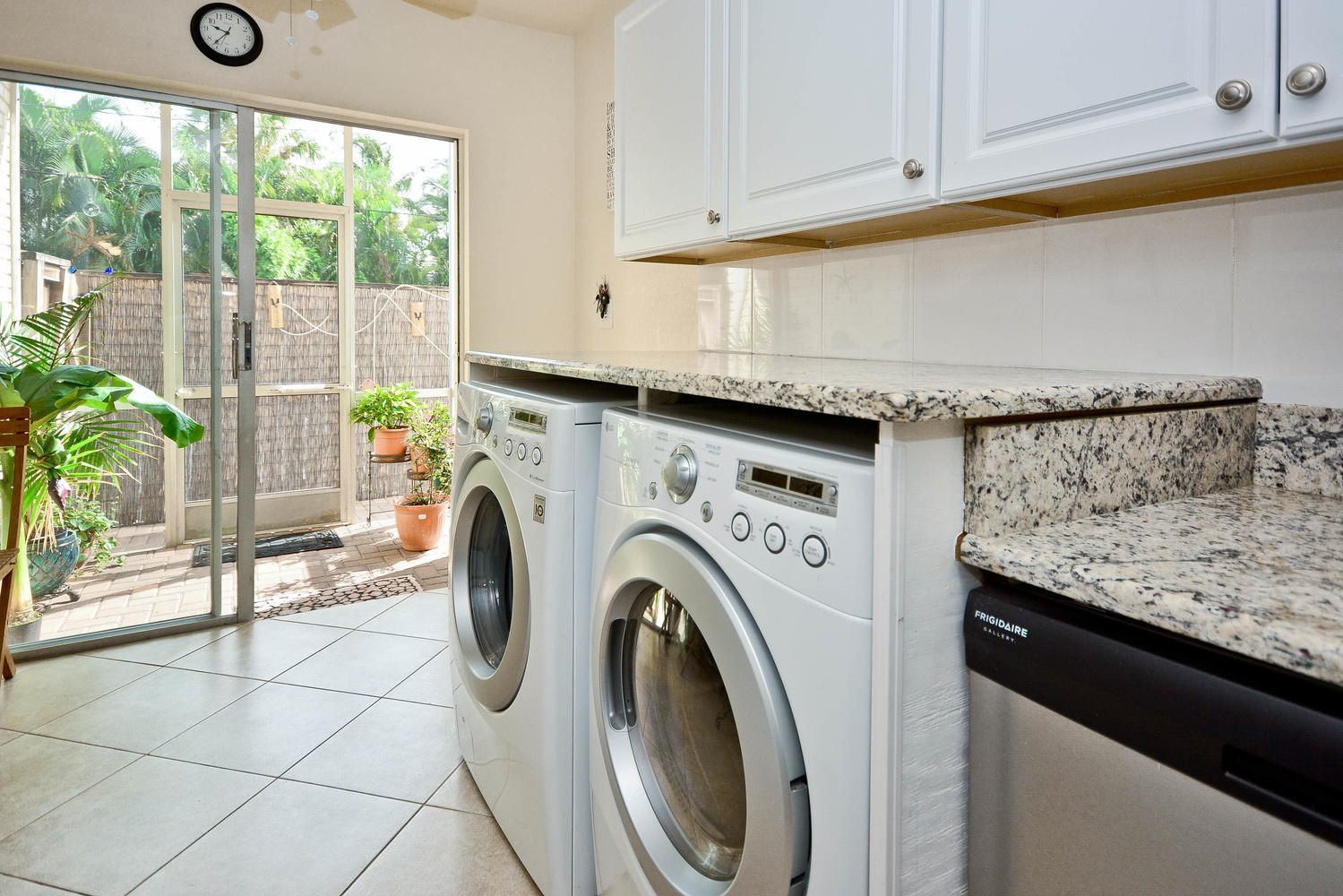 hk washer and dryer