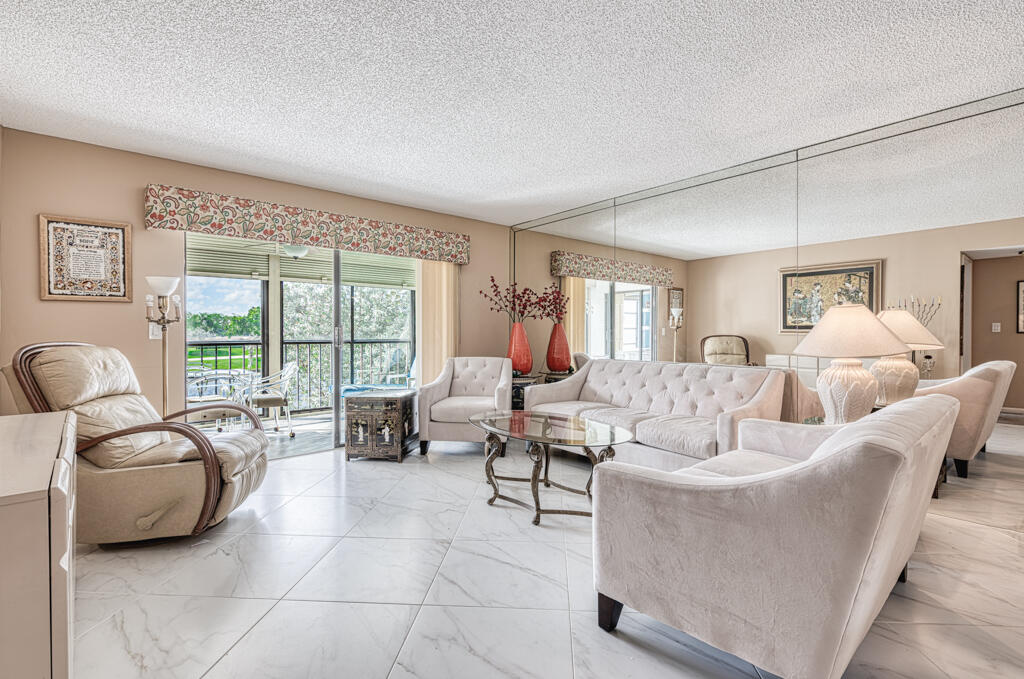 7320  Amberly Lane 203 For Sale 10697562, FL